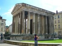 Temple Auguste et Livie à Vienne